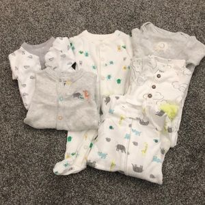 5 pairs of pajamas. Never worn. Washed once